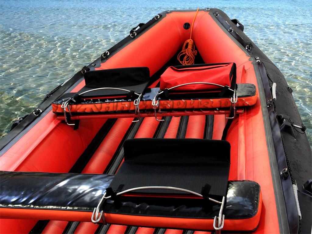 """Складные сиденья """"Южный Бриз"""" для лодки."""