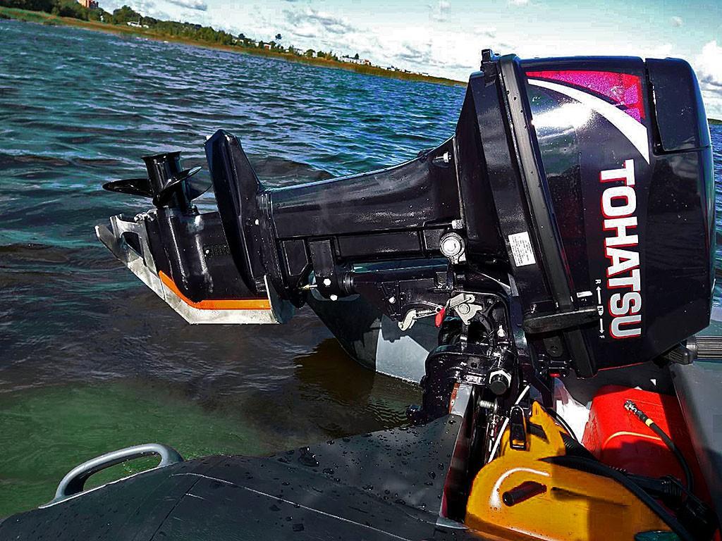 защита на лодочный мотор Тохатсу