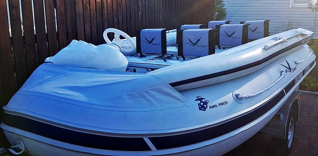 Складное сиденье для надувной лодки ПВХ.